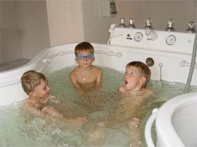ванной дети фото